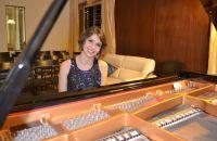 vencedora-do-concurso-em-2004-e-2008-marina-spoladore-se-apresenta-na-abertura-do-evento