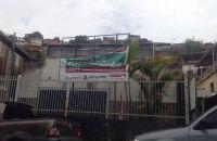 morador-da-regiao-aponta-problemas-como-portoes-enferrujados-e-letreiro-danificado