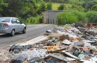 deposito-irregular-de-lixo-na-rua-augusto-thielmann-marcelo-ribeiro