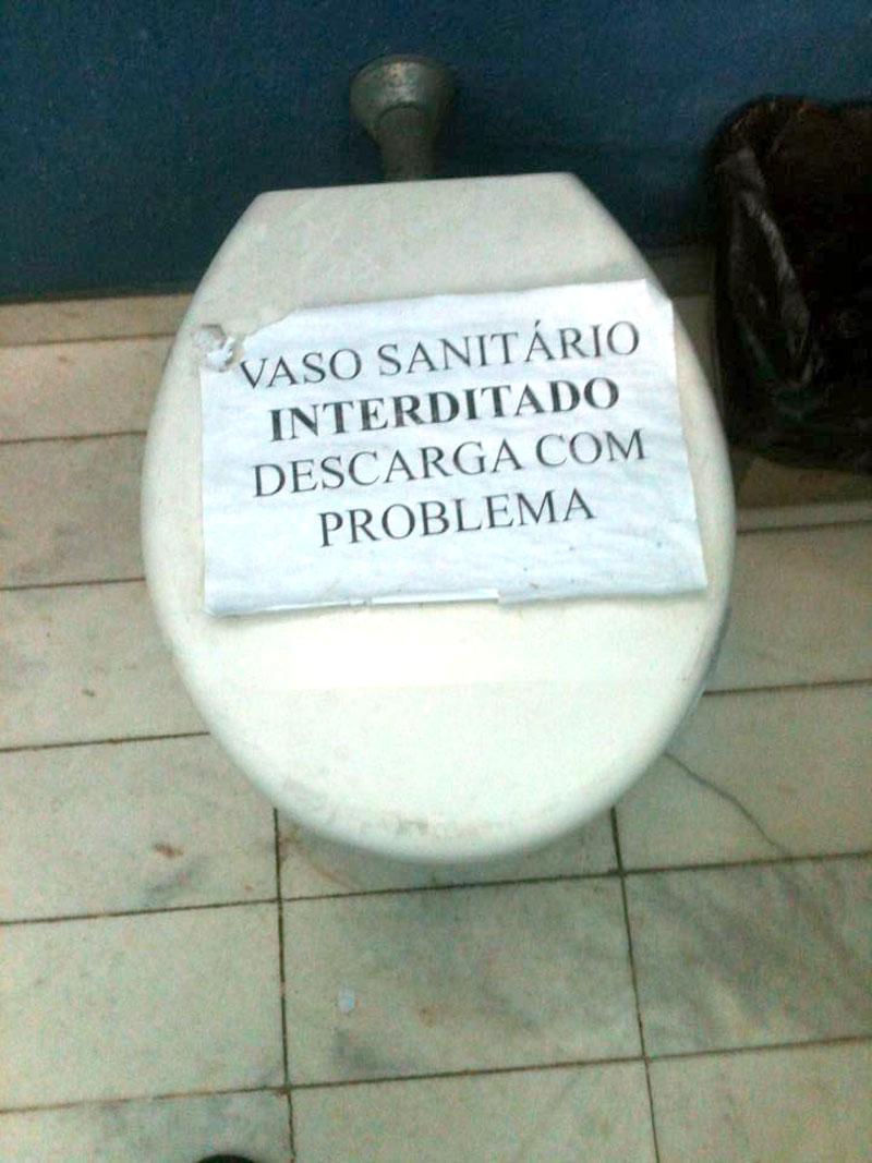 Sede da Guarda Municipal tem mobiliário antigo e banheiro interditado