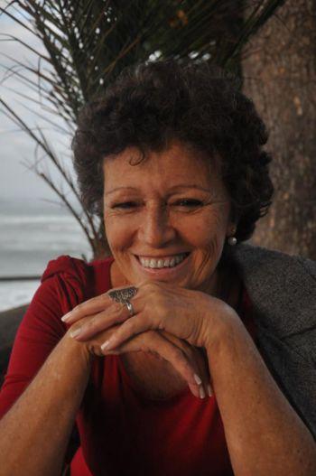Cantora carioca Dirce Sales apresenta no Mamm suas canções em esperanto