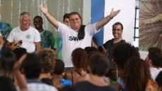 Carlos Alexandre Pacheco comemora a vitória (Foto: Pedro Curi/Gshow)