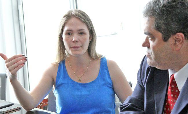 Delegada Regional, Sheila Oliveira, e chefe do 4º Departamento da Polícia Civil, José Walter Matos, que visitaram ontem a Tribuna, apostam na convocação de mais investigadores para a região