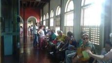 Venda para os desfiles das escolas de samba teve início nesta segunda; ingressos estão à venda no CCBM