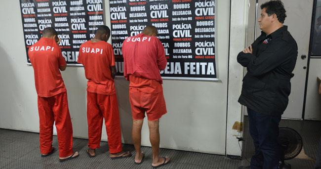 Homens de 21, 26 e 28 anos são suspeitos de pelo menos outros dois crimes na região do Estrela Sul e na Cidade Alta (Foto: Marcelo Ribeiro)