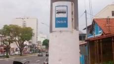 Placa tradicional foi substituída por sinalização em folha de papel (Foto: Juliana Netto/05-10-15)