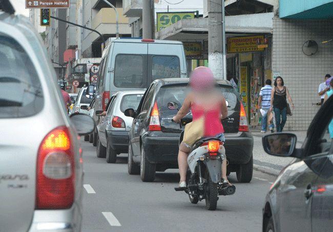 Nas ruas de JF, é comum ver as cinquentinhas ainda sem placas (Marcelo Ribeiro/19-11-15)
