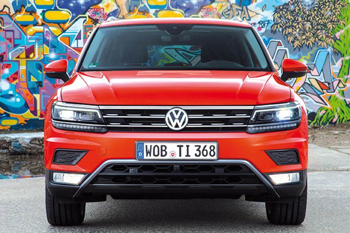 Novo Tiguan tem visual robusto por fora e mantém a austeridade típica da VW em seu interior (Foto: Divulgação)