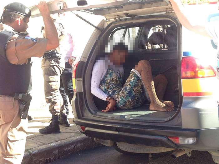Um dos assaltantes se vestiu de mulher
