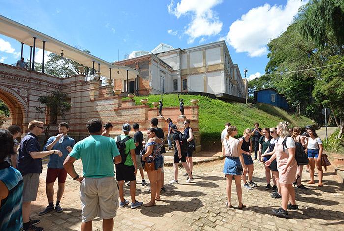 Grupo visitou o Museu na tarde de quarta-feira (15) (Foto: Marcelo Ribeiro)