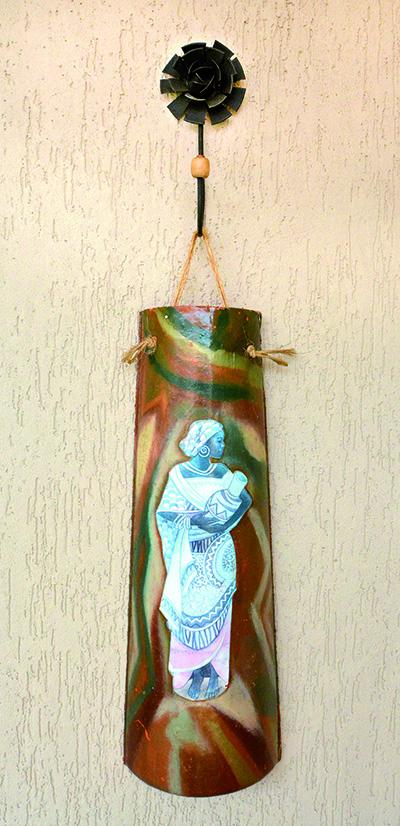 Telha customizada pela handcrafter Maria Cristina