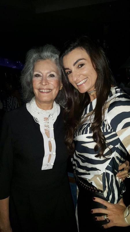 Gisela Amaral, ícone da sociedade carioca, e Karla Fortuna, no  Le Club, 'mix' de boate e restaurante pilotado pela 'chef' franco-portuguesa Heaven Delhaye, no Vogue Square, na Barra