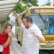 Ulisses Belleigoli e Livia Gomes vão apresentar contos rápidos entre um ponto e outro da Avenida Rio Branco das 11h ao meio-dia deste sábado (Foto: Leonardo Costa)