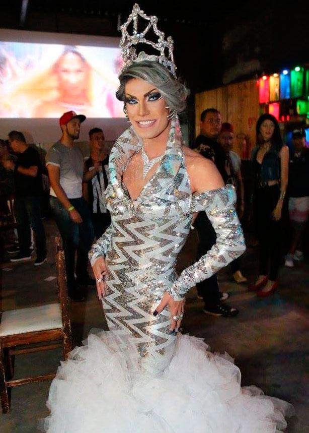 Duda Flux, coroada como Rainha Rainbow 2017, participa do evento (Foto: Divulgação)