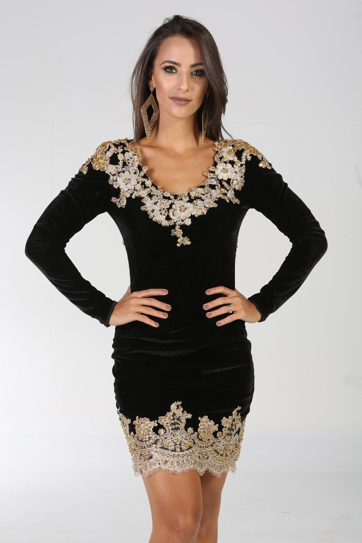 Esse curtinho de veludo Almada Brand - Black Dress tá disponível no Do Meu Closet Pro Seu para aluguel (R$ 190,00)